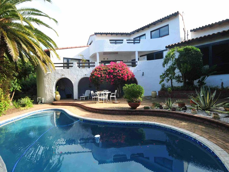 HOLIDAY ACCOMMODATION IN PLETTENBERG BAY