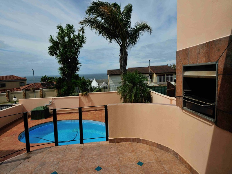 HOLIDAY ACCOMMODATION IN PLETTENBERG BAY, GARDEN ROUTE