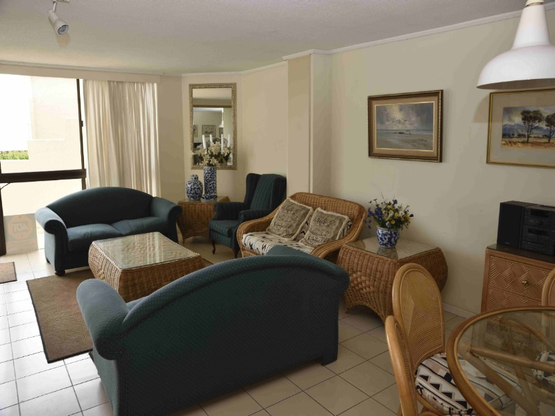 HOLIDAY ACCOMMODTION, PLETTENBERG BAY, WESTERN CAPE